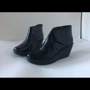 NWOB Fly London Wedge Boots patent Leather 7.5 8